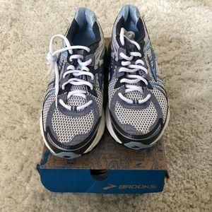 BNIB Brooks Adrenaline Running shoes sneakers